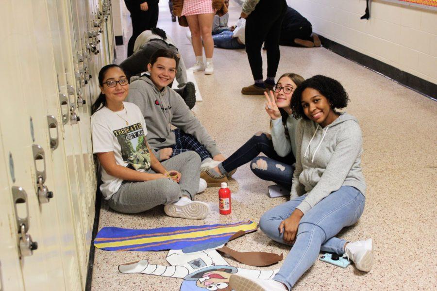 Seniors+Win+Annual+Holiday+Hallway+Decorating+Contest